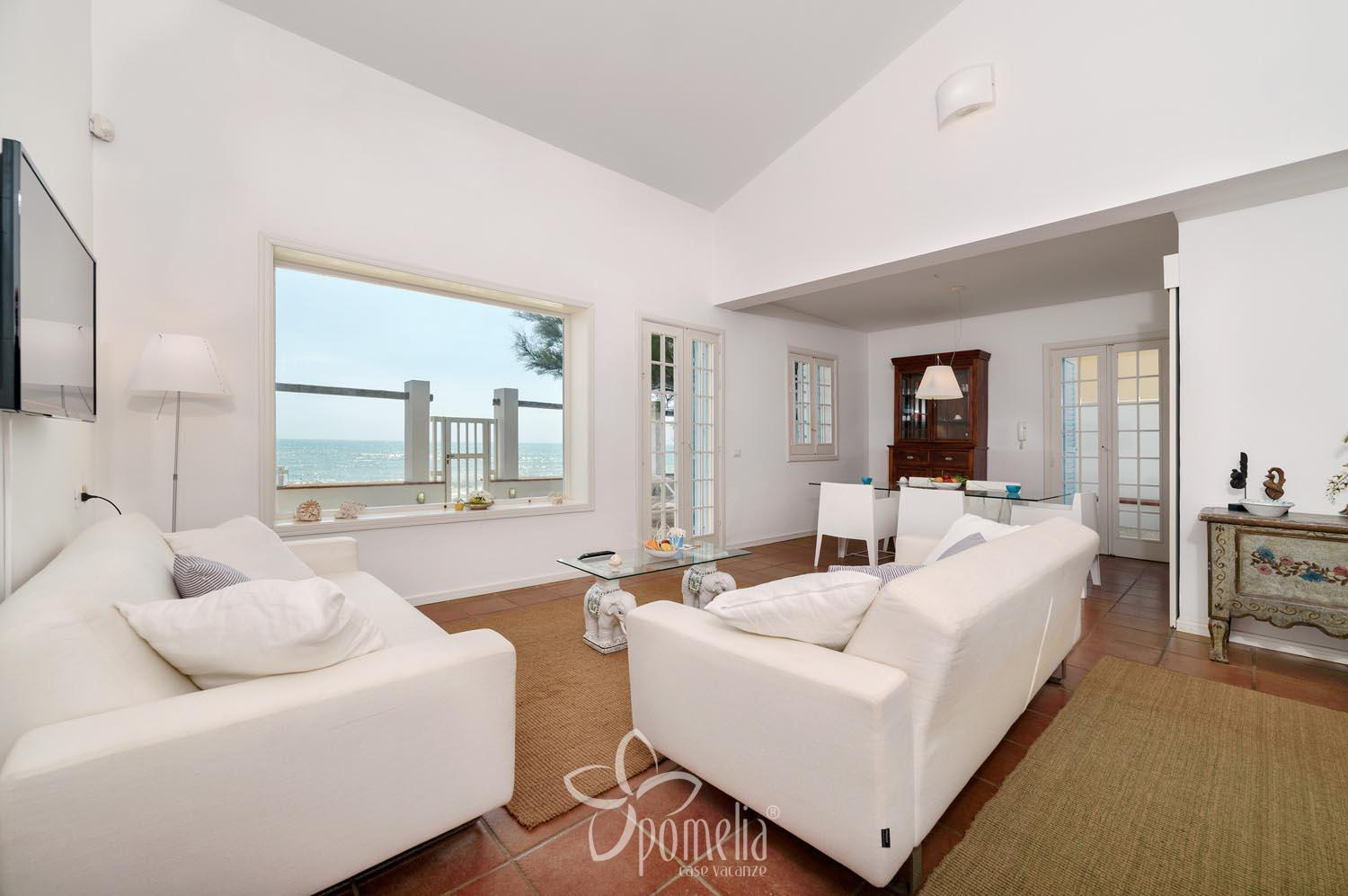 Elettra, seafront villa with beautiful view near Punta Secca - Living room
