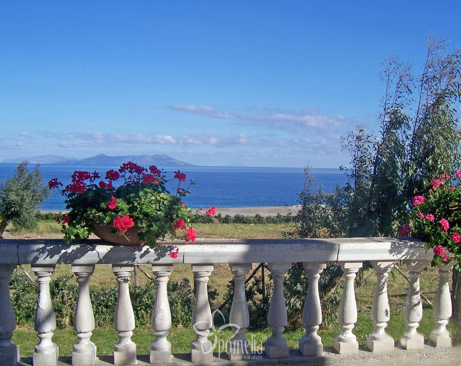 Marena, villa at 50 mt. from the beach in Gioisa Marea (Messina) - Terrace